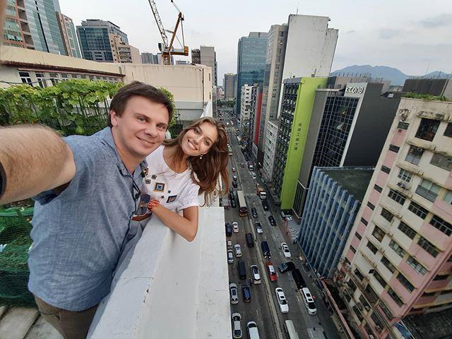 Перша і єдина: Комаров розсекретив подробиці поїздки з коханою у Гонконг